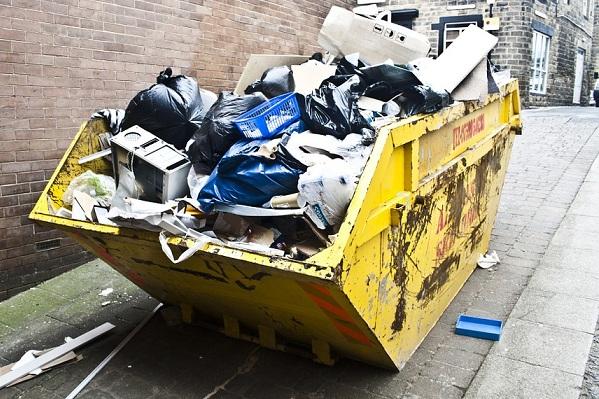 Dependable Telemonitoring of Hundreds of Trash Compactors